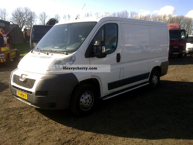 2006 Peugeot  BOXER L1H1 330 2.2HDI AIR-120 +, NET € 5.800, = Van or truck up to 7.5t Box-type delivery van photo