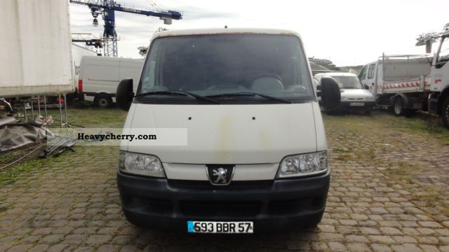 2003 Peugeot  Boxer Van or truck up to 7.5t Box-type delivery van photo
