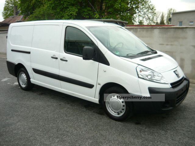 peugeot expert 2010 box type delivery van long photo and specs. Black Bedroom Furniture Sets. Home Design Ideas