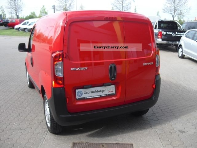 peugeot bipper 1 4 box 2008 box type delivery van photo and specs. Black Bedroom Furniture Sets. Home Design Ideas