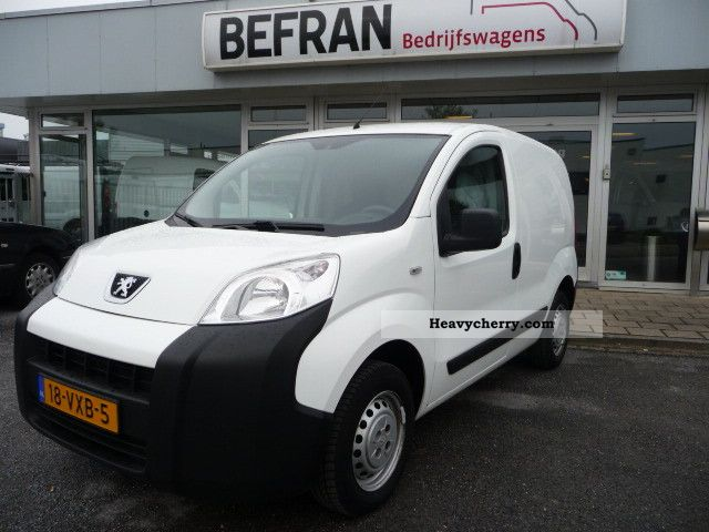 2008 Peugeot  Bipper 1.4 Hdi climate Van or truck up to 7.5t Box-type delivery van photo