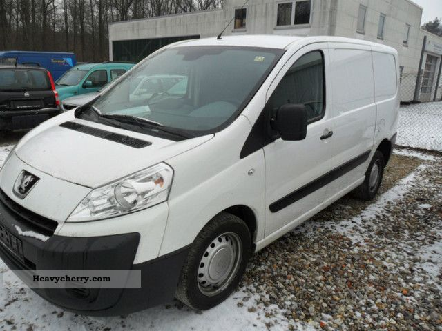 2009 Peugeot  expert Van or truck up to 7.5t Box-type delivery van photo