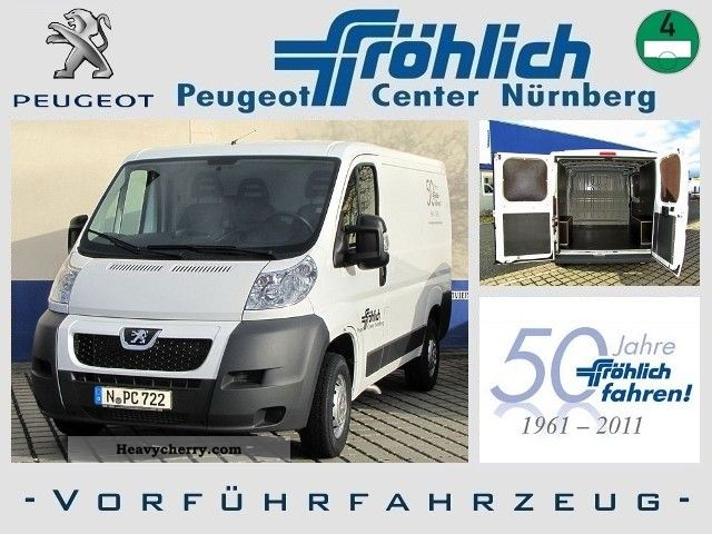 2011 Peugeot  Boxer 330 L1H1 HDi Van or truck up to 7.5t Box-type delivery van photo