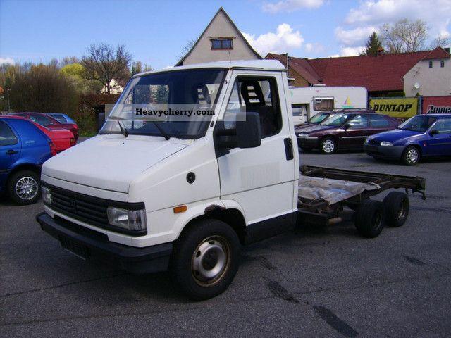 1994 Peugeot  J5 Van or truck up to 7.5t Breakdown truck photo