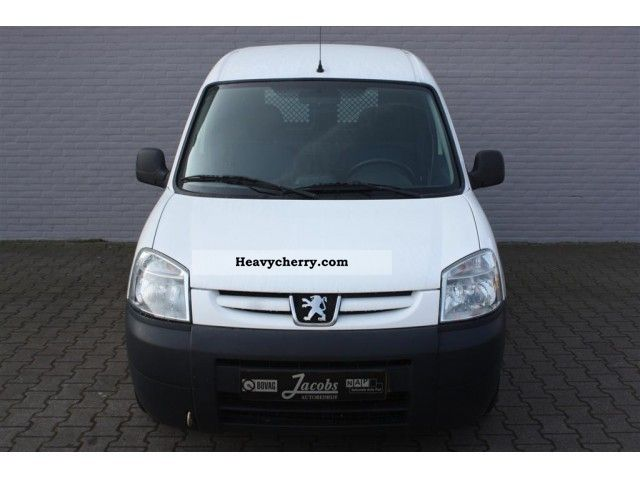 peugeot partner 1 9d 170c 500kg bpm vrij trekhaak el 2005 box type delivery van photo and specs. Black Bedroom Furniture Sets. Home Design Ideas