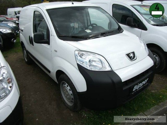 2012 Peugeot  Bipper HDi 70 Avantage Van or truck up to 7.5t Box-type delivery van photo