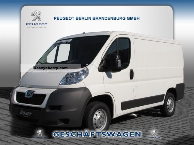 2012 Peugeot  Boxer 330 L1H1 HDI 100 box Van or truck up to 7.5t Box-type delivery van photo