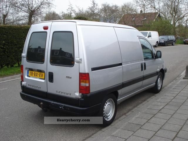 peugeot expert 2 0 hdi 220c 2006 box type delivery van photo and specs. Black Bedroom Furniture Sets. Home Design Ideas