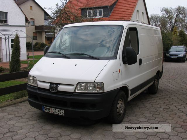Peugeot Boxer 2 8 Hdi 2004 Box Type Delivery Van Photo And