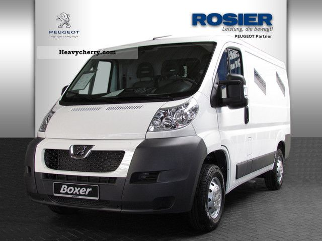 2011 Peugeot  Boxer 330 L1H1 2.2 HDI 120 box Van or truck up to 7.5t Box-type delivery van photo