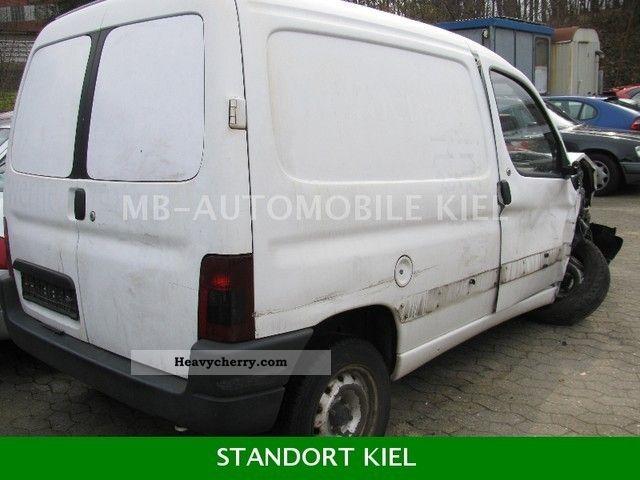 1997 Peugeot  Partner Van or truck up to 7.5t Box-type delivery van photo