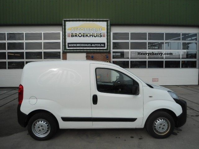 2008 Peugeot  Bipper 1.4 Hdi base Van or truck up to 7.5t Box-type delivery van photo