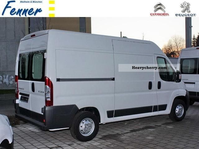 2011 Peugeot  Boxer 330 L2 H2 HDi 130 KW NEW! + + AVANTAGE Van or truck up to 7.5t Box-type delivery van photo