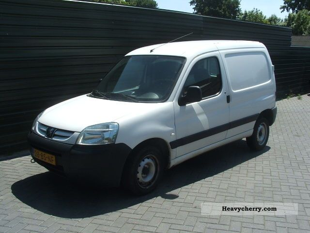 peugeot partner 1 9d 170c euro 3 2005 box type delivery van photo and specs. Black Bedroom Furniture Sets. Home Design Ideas