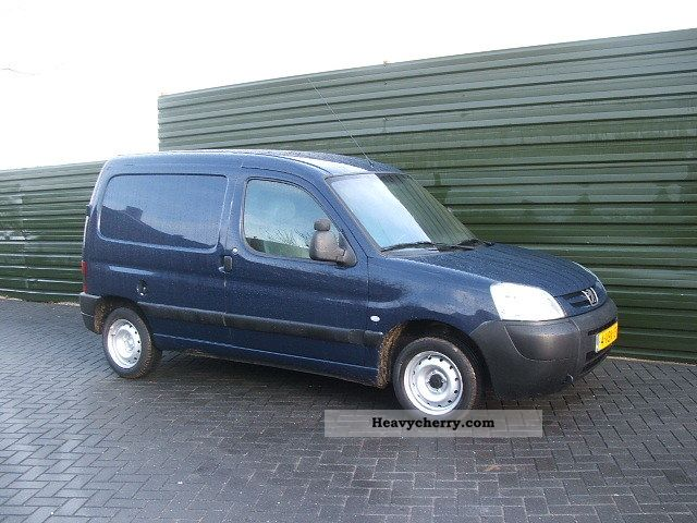 peugeot partner 1 9 d euro 3 2005 box type delivery van photo and specs. Black Bedroom Furniture Sets. Home Design Ideas