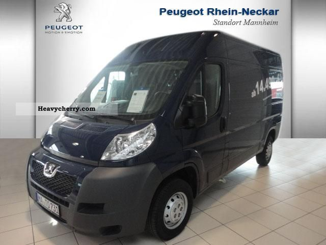 2012 Peugeot  Boxer HDI 120 330MH KW * air * Van or truck up to 7.5t Box-type delivery van photo