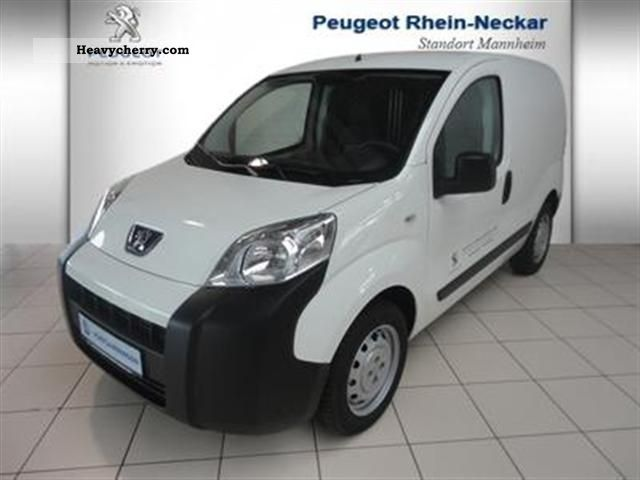2011 Peugeot  Bipper Avantage HDI 75 20 Van or truck up to 7.5t Box-type delivery van photo