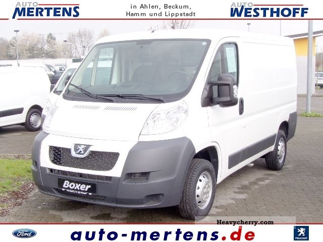 2011 Peugeot  Boxer 330 L1H1 Avantage reinforced springs Van or truck up to 7.5t Box-type delivery van photo