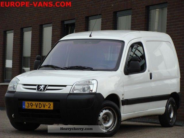 2007 Peugeot  Partner 1.6 HDI Airco / Schuifdeur 08-2007 Van or truck up to 7.5t Box-type delivery van photo