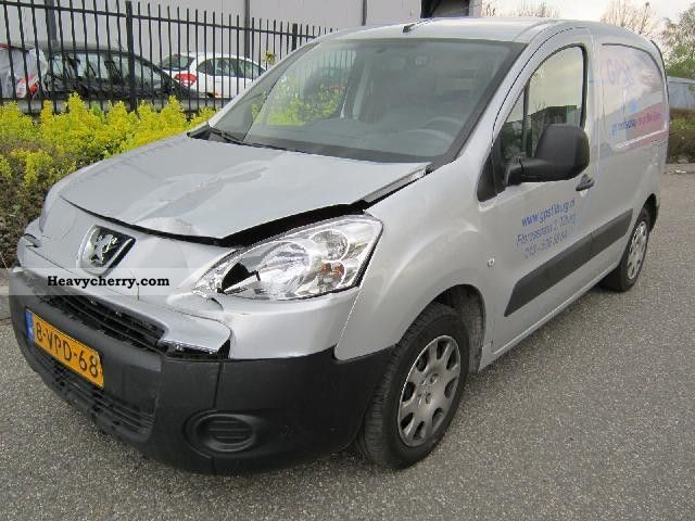 2011 Peugeot  Partner 1.6HDI 66kW AIRCO Van or truck up to 7.5t Other vans/trucks up to 7 photo