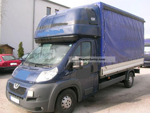 2010 Peugeot  Boxer HDI30 tarp and sleeping cabin air Van or truck up to 7.5t Stake body and tarpaulin photo