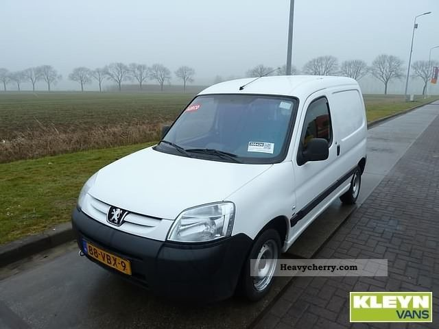 peugeot partner 1 6 hdi 170c 2007 box type delivery van photo and specs. Black Bedroom Furniture Sets. Home Design Ideas
