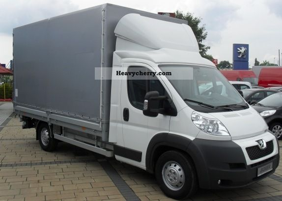 2011 Peugeot  Boxer 435 L4 180 3.0 HDI Van or truck up to 7.5t Stake body and tarpaulin photo