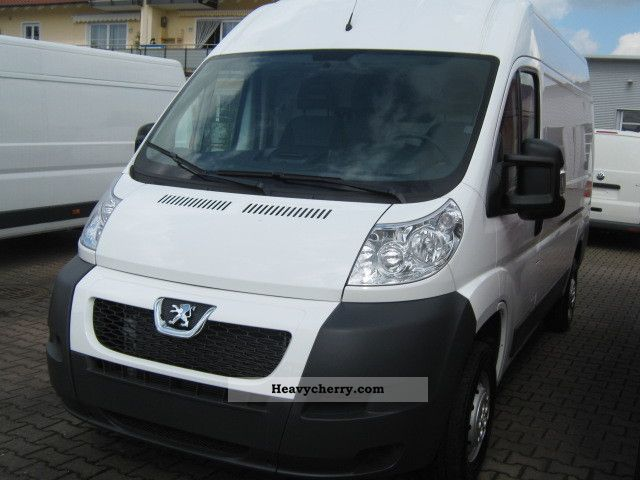 2012 Peugeot  Boxer 130 L2H2 HDI 35 box * air * Van or truck up to 7.5t Box-type delivery van - high photo