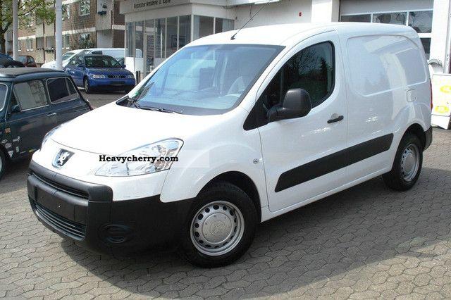 2010 Peugeot  Partner Van or truck up to 7.5t Box-type delivery van photo