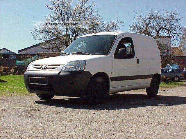 2004 Peugeot  Partner Van or truck up to 7.5t Box-type delivery van photo