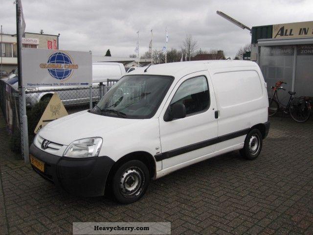 2007 Peugeot  Partner 1.6 HDI 55KW 170C Van or truck up to 7.5t Box-type delivery van photo