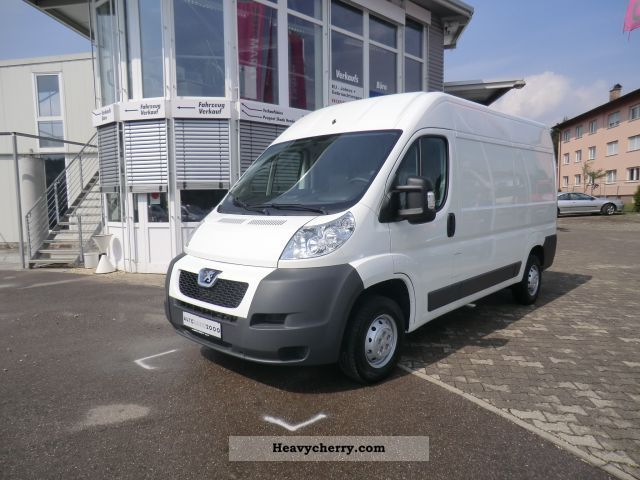 2012 Peugeot  L2H2 HDi 333 FAP diesel boxer from the Partne Van or truck up to 7.5t Box-type delivery van - high photo