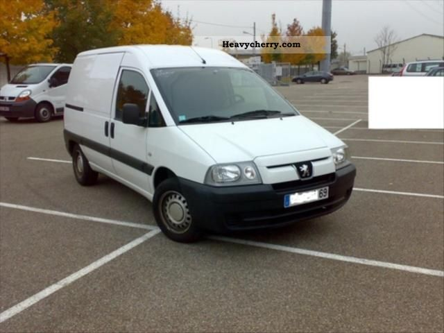2005 Peugeot  Expert Fg 220C (4m3) HDi95 CD Clim Van or truck up to 7.5t Box photo