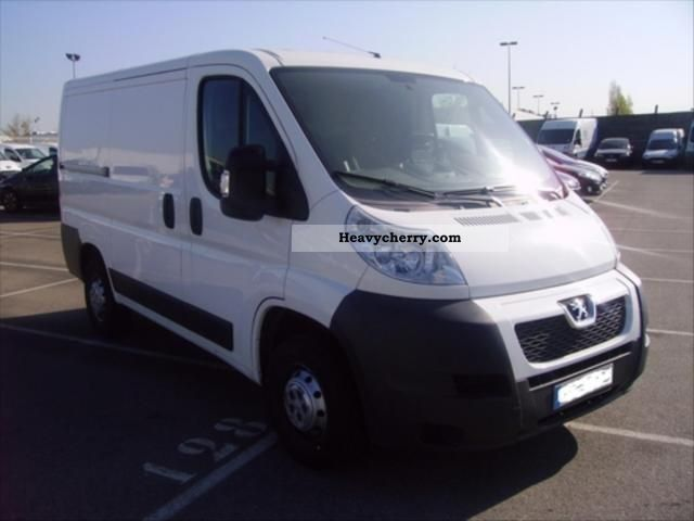 2009 Peugeot  Boxer 330 L1H1 fg HDi100 CD Clim Van or truck up to 7.5t Box photo