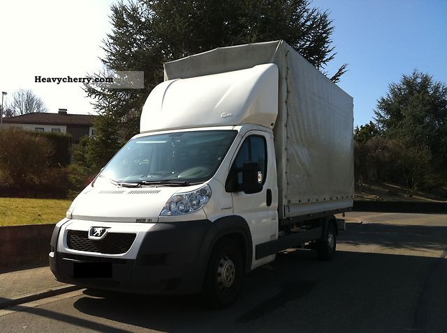 2010 Peugeot  Boxer Van or truck up to 7.5t Stake body and tarpaulin photo