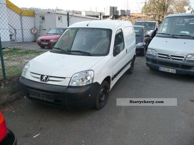 2007 Peugeot  Partner Van or truck up to 7.5t Box-type delivery van photo