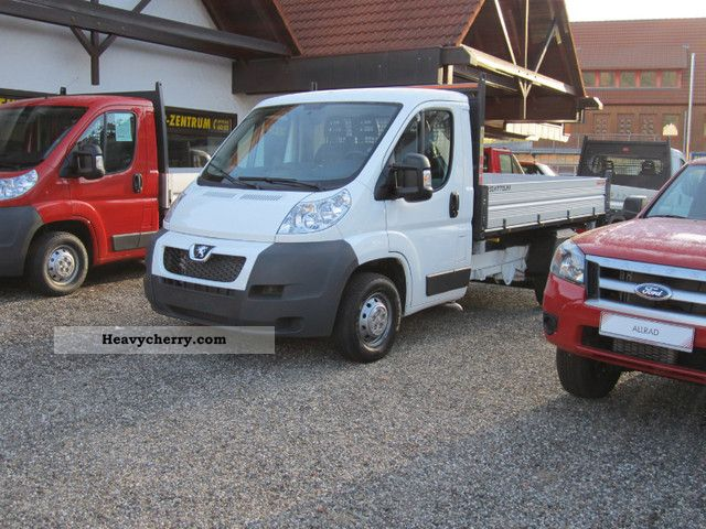 2011 Peugeot  NEW Boxer 35L2 with TZ / auxiliary air spring / AIR Van or truck up to 7.5t Tipper photo
