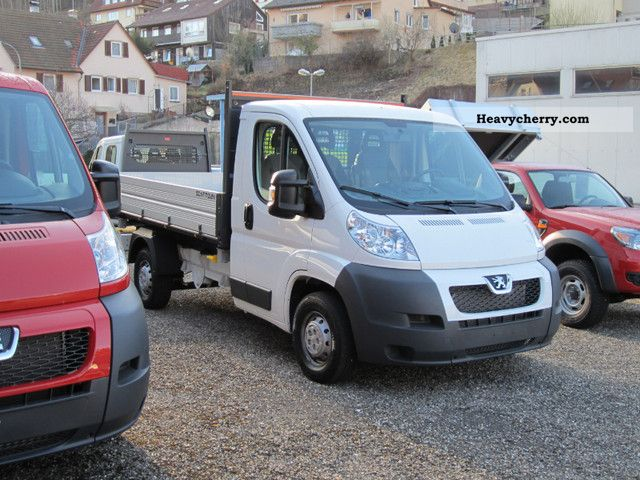 2011 Peugeot  NEW Boxer 35L2 with TZ / auxiliary air spring / AIR Van or truck up to 7.5t Three-sided Tipper photo