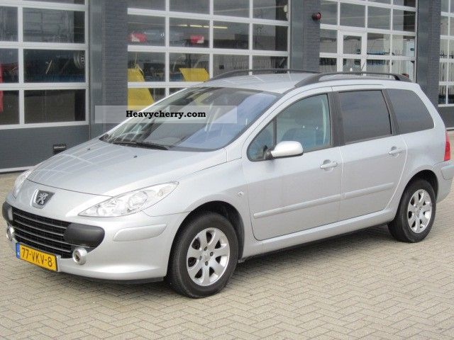 2007 Peugeot  307 1.6 16V 66KW HDIF Van or truck up to 7.5t Box-type delivery van photo