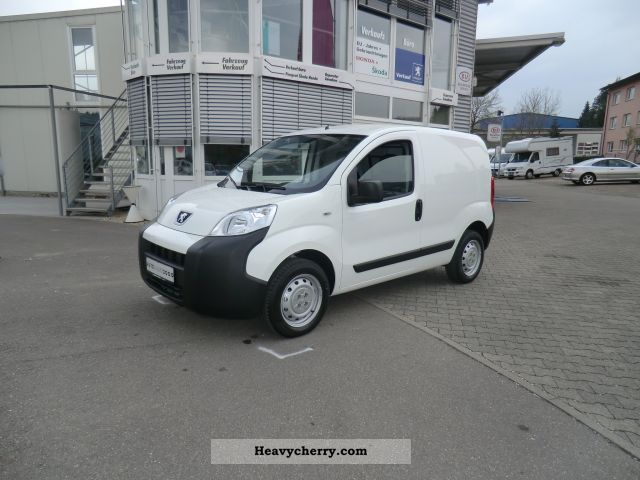 2012 Peugeot  Bipper Partner HDi 75, Van or truck up to 7.5t Box-type delivery van photo