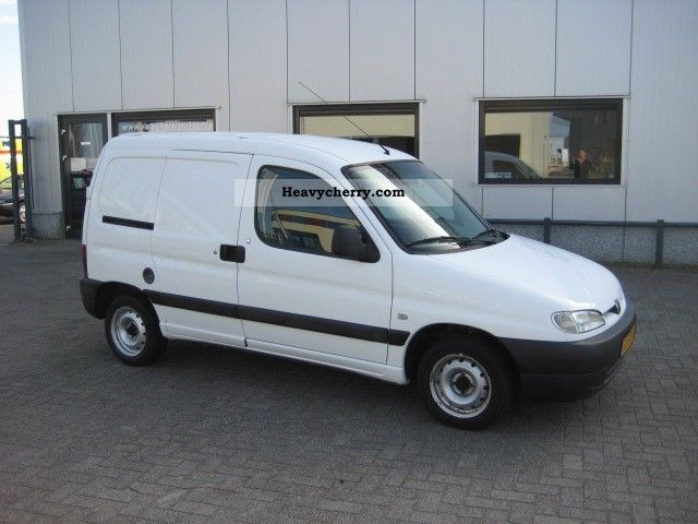2002 Peugeot  Partner 1.9D Van or truck up to 7.5t Box-type delivery van photo
