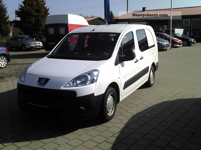 2009 Peugeot  Partner Van or truck up to 7.5t Box-type delivery van photo