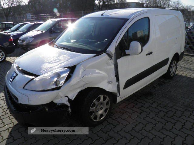 2011 Peugeot  Partner L2 H1 AIR Van or truck up to 7.5t Box-type delivery van photo