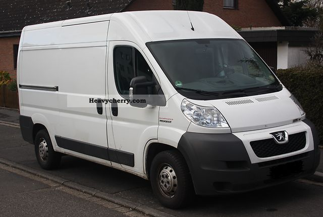 2009 Peugeot  Boxer 3.0 HDI refrigerated trucks Van or truck up to 7.5t Refrigerator box photo
