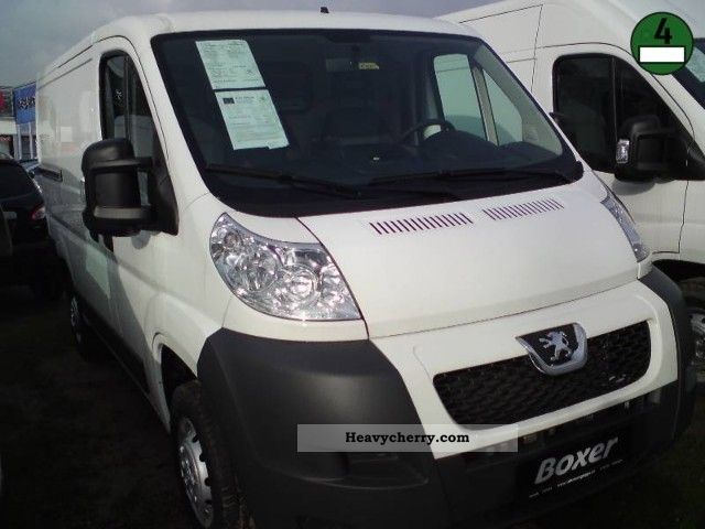 2012 Peugeot  Boxer L1H1 HDi 330 C Avantage Van or truck up to 7.5t Box-type delivery van photo