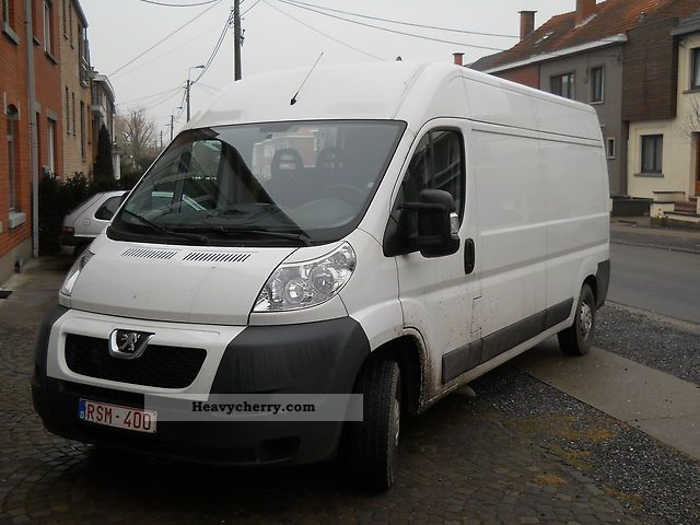 2010 Peugeot  Boxer Van or truck up to 7.5t Box-type delivery van photo