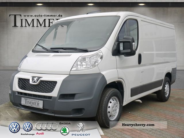 2012 Peugeot  Boxer 330 L1H1 2.2 HDI 100 Van or truck up to 7.5t Box-type delivery van photo