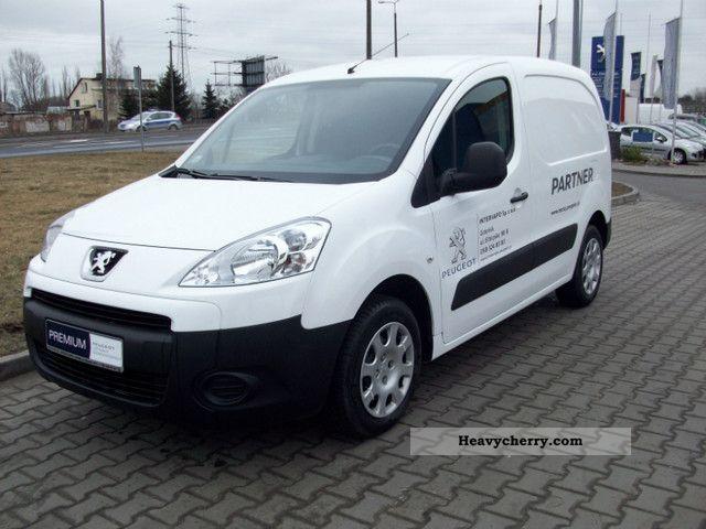 2011 Peugeot  Partner Van or truck up to 7.5t Box-type delivery van photo