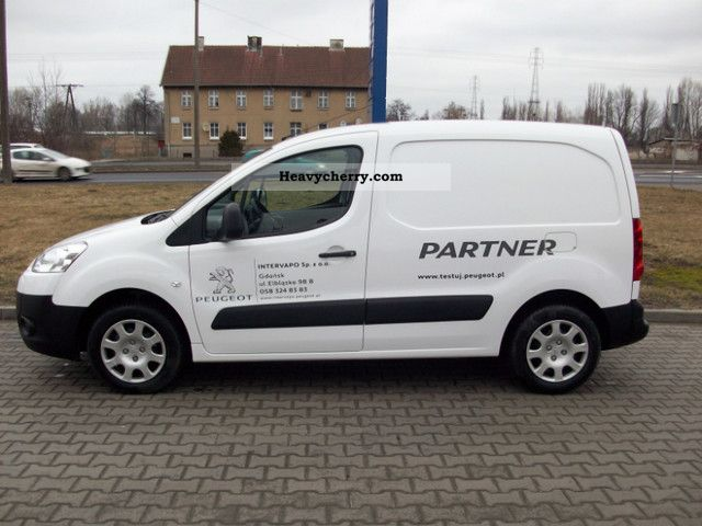 peugeot partner 2011 box type delivery van photo and specs. Black Bedroom Furniture Sets. Home Design Ideas