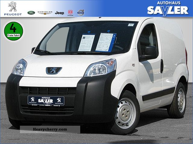 2011 Peugeot  Bipper HDI 75 Avantage box Van or truck up to 7.5t Box-type delivery van photo